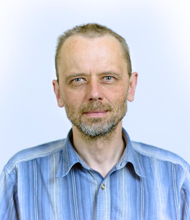 DR-PIOTR-ŚWIRSKI